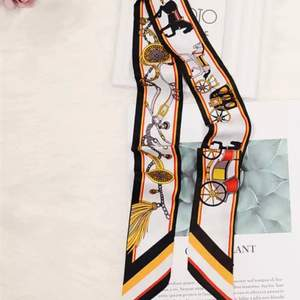 2021 Bag Scarf New Luxury Brand Women Silk Hermes  Scarf Horse Print Head Scarf Handle Bag Ribbons Fashion , kolla på andra sortiment som jag fick lite olika model