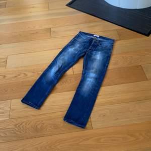 ACNE JEANS, STRL 30/32, modell: ROC VERAKI, straight fit