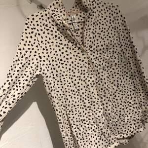 Nattskjorta i storlek s