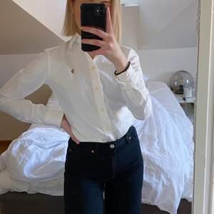 Vit Ralph Lauren skjorta. Aldrig använd