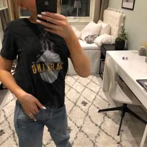 Säljer denna tröja från ONLY i storlek S! Bra skick och nästan aldrig använd. Köparen står för frakten ❤️