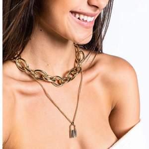 Oanvänt halsband köpt från madlady, orginalpris 129kr. Mitt pris 40kr