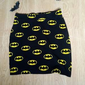 As häftig batman kjol från H&M! Knappt använd!
