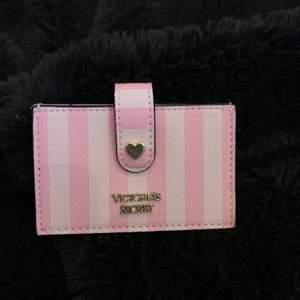 Oanvänd korthållare från Victoria secret