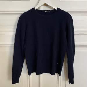Marin blå Kashmir tröja från Twist & Tango. Storlek XS!