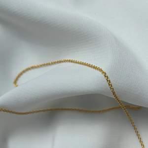Säljer berlocker, kedjor, pärlor, smycken, material på min hemsida. Länk till den finns på min Instagram @wazze_shop