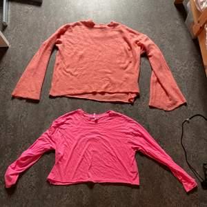 Två fina tröjor i storlek S. Jag har inte använt dem så mycket. Kan mötas upp i Malmö!!!
