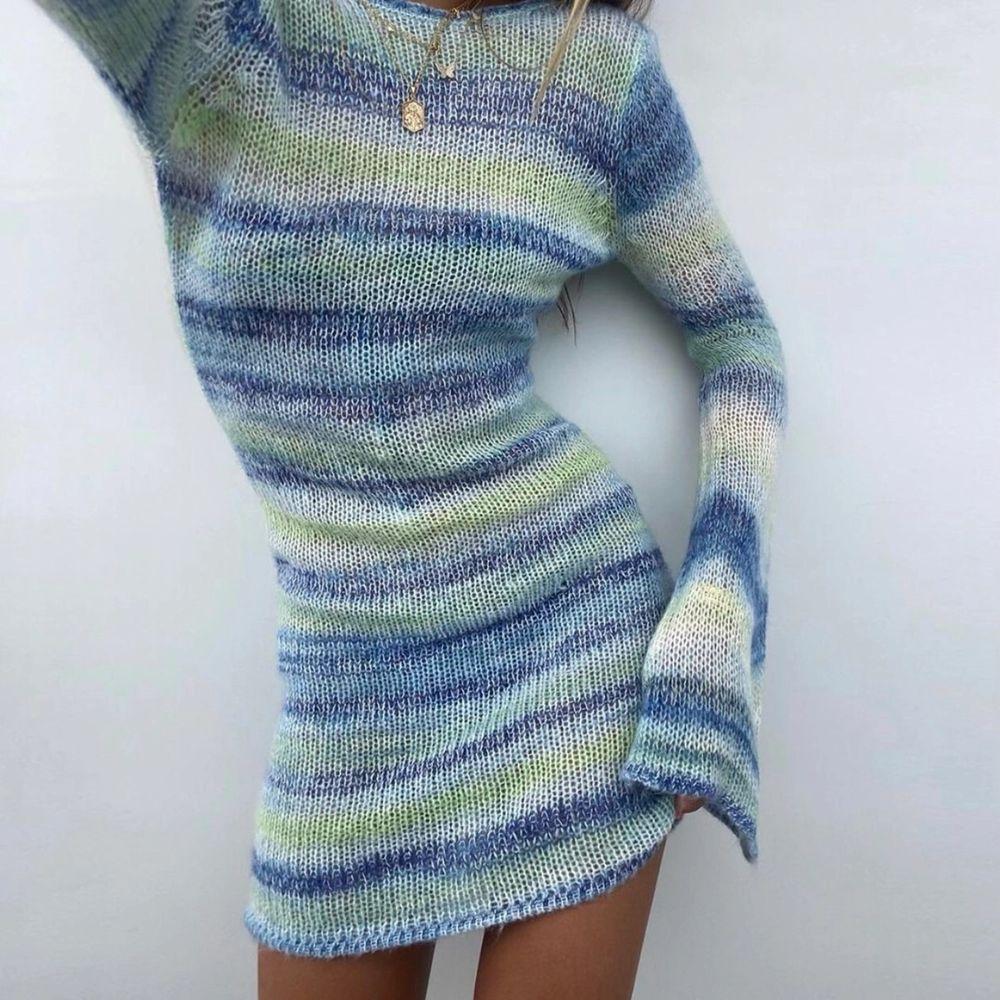 säljer denna underbart snygga stickade klänning från NAKD. helt oanvänd endast testad och slutsåld på hemsidan. buda från 450kr 🥰 frakt ingår ej i priset och jag kan skicka fler bilder om så önskas. Klänningar.