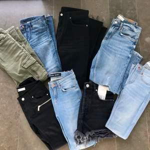 Säljer flera olika par jeans i strl 34 & 36 från zara bla. Alla är i princip helt oanvända, vissa har lapparna kvar dessutom. Kika in min senaste annons för mer information. Tveka inte att höra av er vid minsta lilla intresse. Säljer till bra priser, kan ge rabatt och sätter även ihop ett bra paketpris om man vill köpa alla, då får man ett par jeans helt gratis på köpet. Har lagt till fler jeans tillsalu på den tredje bilden!! 😊ALLA JEANS PÅ SISTA BILDEN OCH DE BEIGEA FINNS KVAR. ERBJUDANDE IFALL MAN KÖPER ALLA!!!