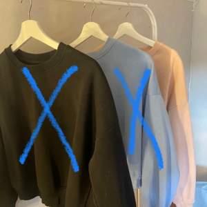 Jag säljer sweatshirts som inte kommer till användning längre! Dom är använda men inte något man ser tycker jag iaf! 80kr per sweatshirt! Storleken M på alla!💕 !Blå såld!SVART SÅLD!