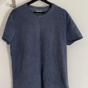Timberland T-shirt, washed out blå färg. Storlek L