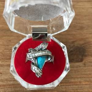 Äkta silver ring med äkta turkos sten i storlek 18 köpte i Dubai