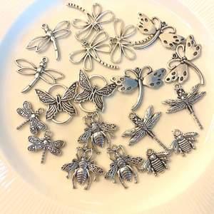 Hej! Jag gör smycken på beställning, priserna varierar lite beroende på vad du vill ha - vi kommer överens i dm. Jag gör halsband, örhängen, armband och fotlänkar! Ser du något smycke du gillar? Hör av dig så fixar jag utifrån dina mått och önskemål!