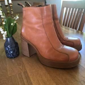 Urballa boots från Vagabond, superfint skick och äkta läder!