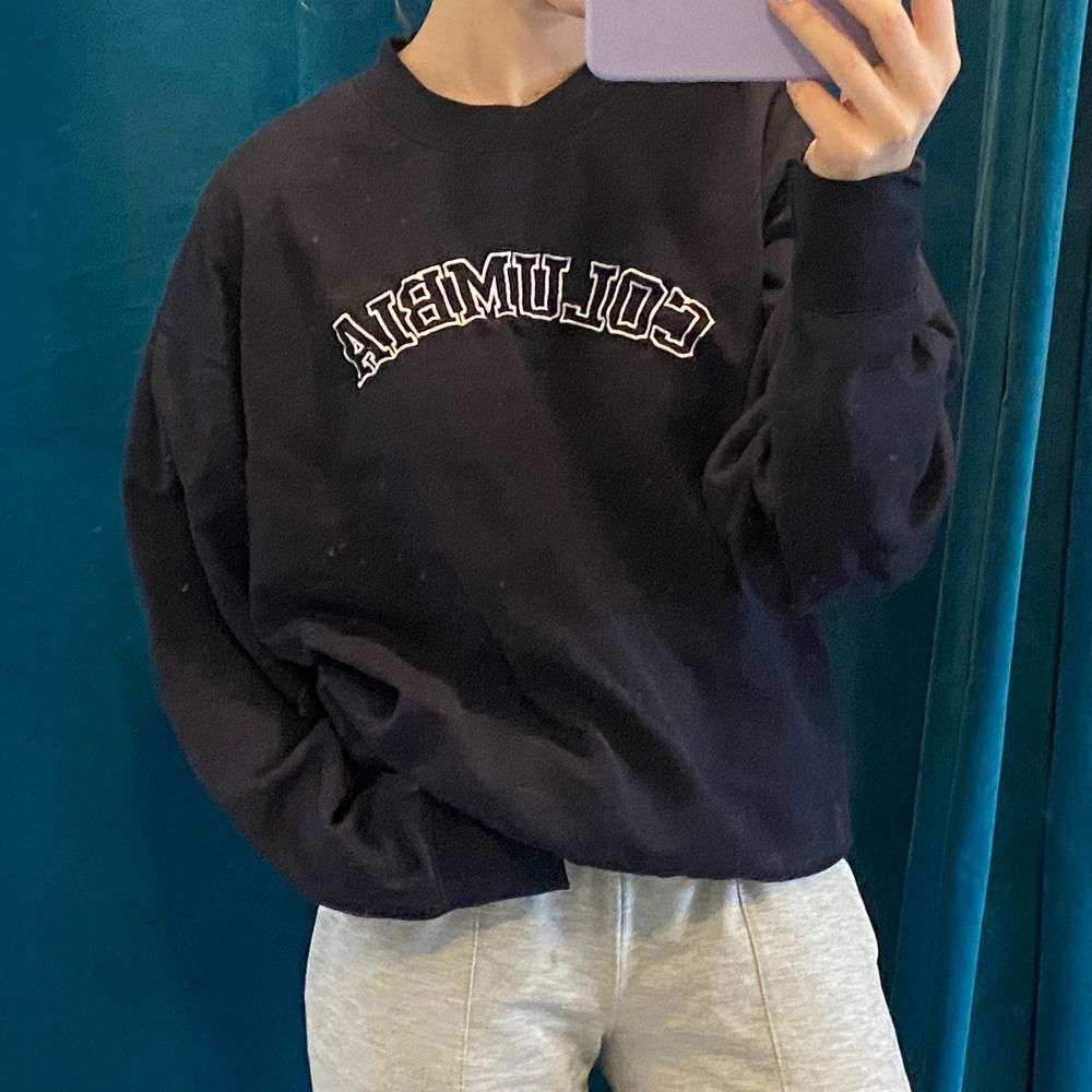 marinblå vintage sweatshirt! storlek M, superfin! ✨. Tröjor & Koftor.
