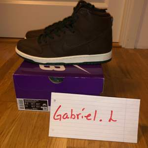 "Nike SB dunk high ""Baroque Brown Vegan Leather"". Storlek 43. Nytt par!"