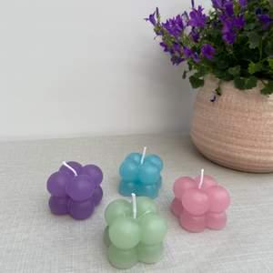 Små bubbel ljus 29kr st + frakt  Utan doft Finns i lila, blå, grön och rosa Frakt 1 ljus 15kr 2-3 ljus 28kr 4 eller mer 48kr
