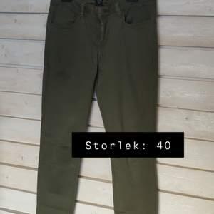 Gröna jeans i bra skick ✨