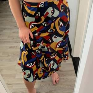 Kjol som jag köpt här på plick men som va för stor! Den är från monki