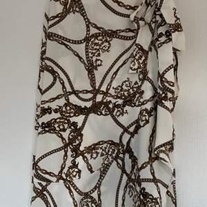 En snygg kjol från Gina Tricot.