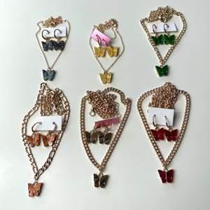 Säljer dessa super fina smycke set med fjärilar! I olika färger! Helt nya, alltså inte använda! Frakt tillkommer 12kr❗️ Passar super fint nu till sommaren! 69kr st!