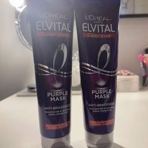 Säljer dom här tuberna med purple mask som motverkar gult hår. Enda är helt oöppnad medans det är ungefär hälften kvar av en andra. Buda för hur mycket du vill köpa