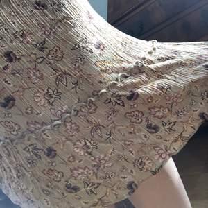 Fin klänning från pull&bear. Står M men skulle även passa S <3