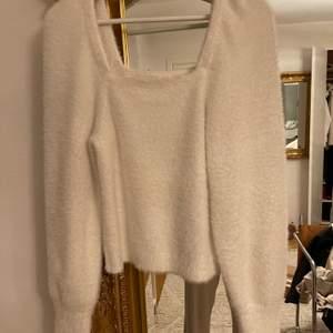 Fluffig tröja från hm i stl. S 150kr + 66kr i frakt