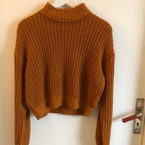 Säljer denna stickade tröja från hm, strl S. Köparen står för frakten