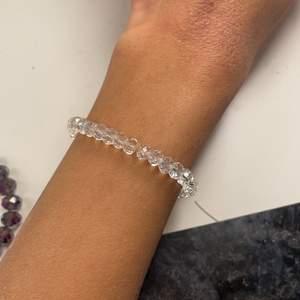 Snö of Sweden armband med diamanter och genomskinliga pärlor ⭐️
