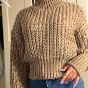 Stor brun stickad tröja strl xs