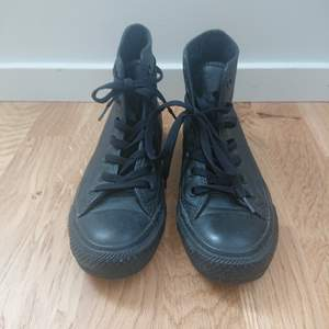 Brand:Converse, Colour:Black, Height:13cm, Size:UK3.5, Size is 0.5-1cm small, I wore only once,