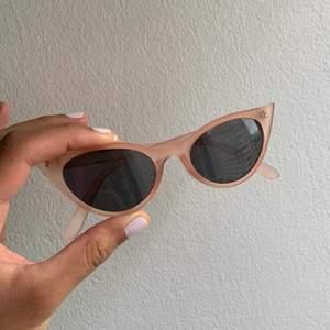 Solglasögon! Använda endast en gång, gratis frakt