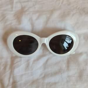 Coola solglasögon
