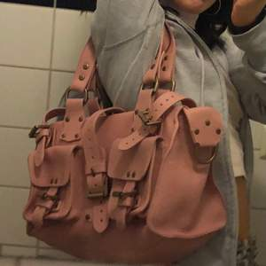 Cute 2000s pink hand bag