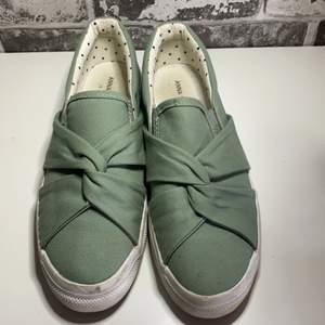 Gröna skor från Anna Field storlek 38. Knappt använda, 150kr💫💫⭐️
