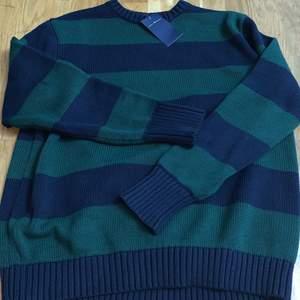 Helt ny! Använd ett fåtal gånger. Om fler är intresserade startar jag en budgivning❣️ Den som vinner budgivningen kommer få med en extra tröja som present❣️