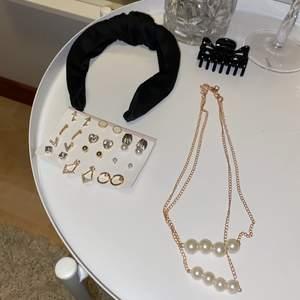 (ENDAST HALSBANDET ÄR KVAR )Jättefina smycken och accessoarer!! 💞 Har aldrig fått användning för något av detta så därför säljer jag dessa 12 par örhängena från SHEIN, halsbandet från SHEIN, hårklämma från Ur&Penn och diadem  från Gina Tricot.  Allt kostar totalt 70 kr och gratis frakt!! 💞 vill man ha endast någon sak så står man för frakten + priset för själva grejen!! 💞