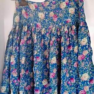 Söt kjol strl S från Marc o polo . Viscose. Köpt från Zalando 699 kr
