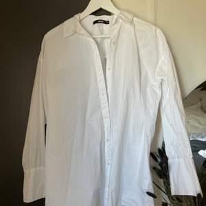 Skjortklänning från Bikbok storlek XS endast använt en gång