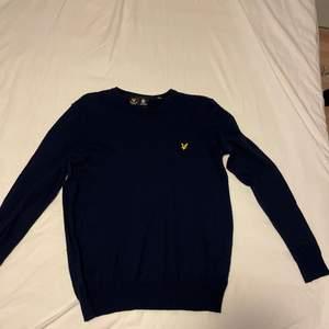 Sällan använd bra skick ull tröja nypris 599:-