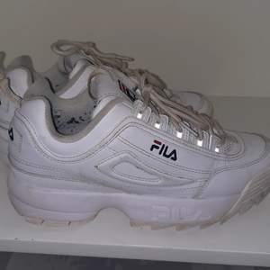 Fila skor stl 39 i väldigt fint skick kosta 1200kr från nelly men blev inte använda mer en ett par gånger