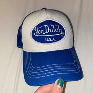 Intressekoll på denna asballa blåa keps från Von Dutch!! Knappt använd då det inte riktigt var min stil :(