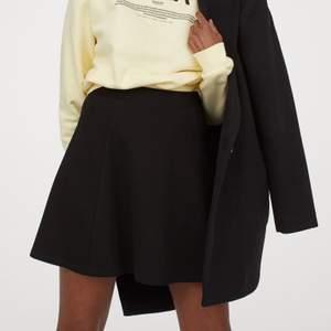 Kjol ifrån H&M, som ny! Storlek XS! ☺️