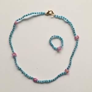 💕halsband med matchande ring som jag gjort själv💕 halsband: 60kr ring:15kr ✨frakt 12kr✨