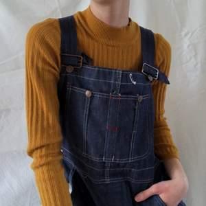 Gullig senapsgul tröja! Köpte i Belgien☀️ xs-s