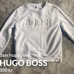 Super snygg hugo boss tröja, storlek S, köparen står för frakten💕💕