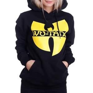 Säljer min fina hoodie för 200kr inklusive frakt🤩 Unisex och super skön