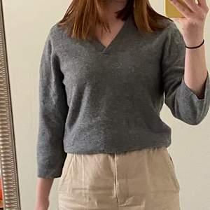 Varm och mysig tröja från mtwtfss weekday collection⚡️ Köparen står för frakten 📦