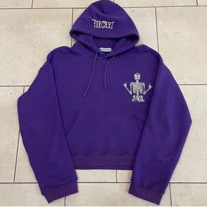 HCW hoodie limited ed! Asnajs använd några fåtal gånger. Köptes för 1100.
